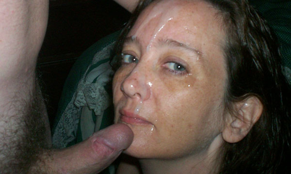 Huge cumshot facial for slutty blonde milf